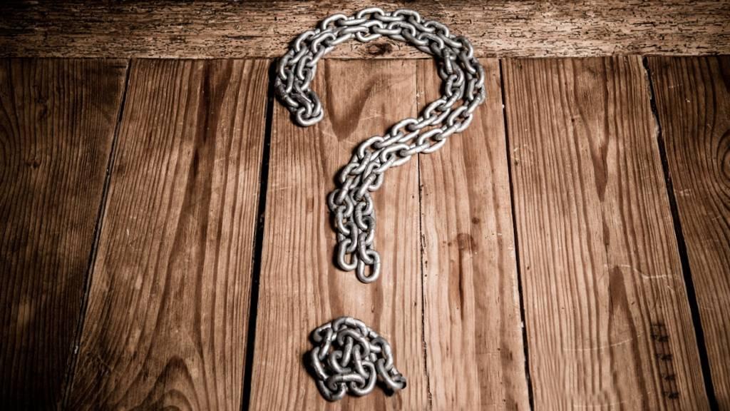 Spørgsmålstegn lavet af kæde